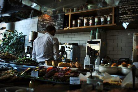 restaurant trends - customer service strategies